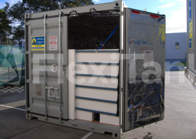 Container liners and bladders can be thermally insulated